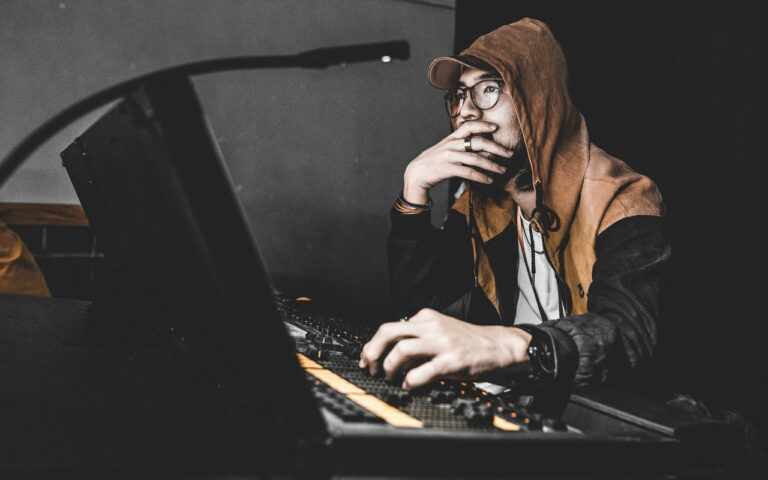 HQ 5 Mistakes that Music Producers